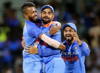 137 ரன்கள் மட்டுமே எடுத்து தோல்வியை தழுவியது ஆஸ்திரேலிய அணி! #IndvAus #LiveUpdate