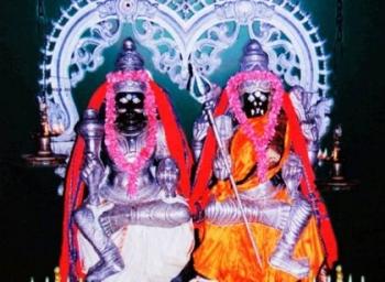 குலசை தசரா திருவிழா கொடியேற்றத்துடன் தொடக்கம்