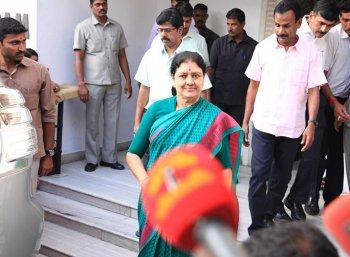 ஜெயலலிதாவையே எச்சரித்த விருதுநகர் புள்ளி... சசிகலாவுக்கு எதிராக வாக்குமூலம் அளிப்பாரா!? #VikatanExclusive