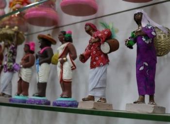 4,000 பொம்மைகளுடன் பிரமாண்ட கொலு வைபவம்... நவராத்திரிக் கோயிலில் கோலாகலம்!