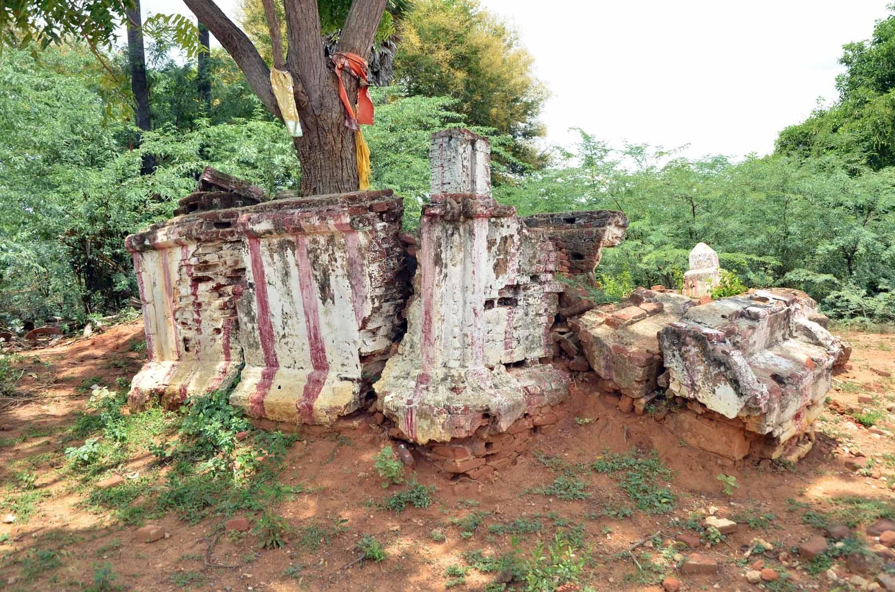 தீப்பாய்ந்தம்மன்   கோயில்