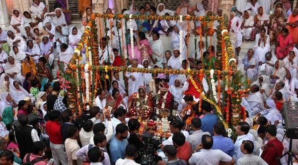 உத்தரபிரதேசத்தில் நடந்த கைம்பெண் திருமணம்