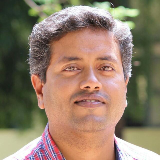 டாக்டர்.செந்தில் கருணாகரன்