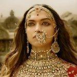 'பாகுபலி'யை மிரட்டும் தீபிகா படுகோனேவின் 'பத்மாவதி' திரைப்பட டிரெய்லர்!