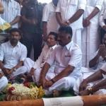 எம்.ஜி.ஆர் நூற்றாண்டு விழா - முகூர்த்தக்கால் நட்டார் பன்னீர்செல்வம்!