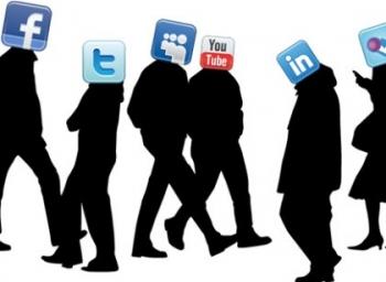 இந்த 8 அறிகுறிகளில் 5 இருந்தால் நீங்களும் இணையதள அடிமைதான்! #InternetAddictionDisorder