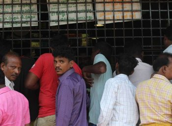 டாஸ்மாக் மதுபானங்கள் விலை உயர்வு: அமைச்சரவைக் கூட்டத்தில் முடிவு
