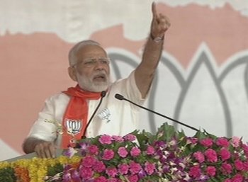 'ஜி.எஸ்.டி விவகாரத்தில் காங்கிரஸூம் கூட்டாளிதான்': பிரதமர் மோடி தாக்கு