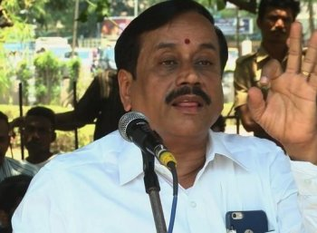 'உண்மை கசக்கும்' - நடிகர் விஜய் குறித்து ஹெச்.ராஜா மீண்டும் ட்வீட்!