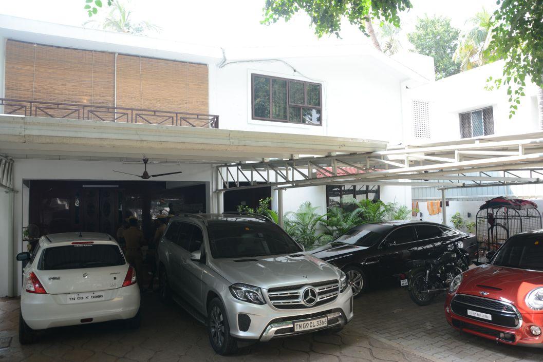 மகாலிங்கபுரத்தில் உள்ள இளவரசி மகன் வீடான விவேக் இல்லம்