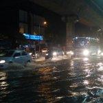 கிண்டியில் மிதந்து செல்லும் வாகனங்கள்! #ChennaiRains