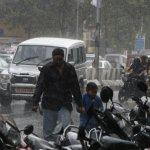 தொடர் கனமழை: நாகை மாவட்ட பள்ளிகளுக்கு விடுமுறை!
