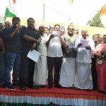 'பிணத்தை எரிக்கக்கூட, அந்தப் பணத்தை வாங்கவில்லை!' - கொதிக்கும் காங்கிரஸ் நிர்வாகி