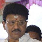 திவாகரன் வீட்டில் 4 மணி நேரமாக ஐ.டி ரெய்டு..!