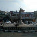 சாலைகளுக்கு நடுவே கான்க்ரீட் பூங்கா...சென்னை மாநகராட்சியின் செயல் சரியா?