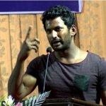 தயாரிப்பாளர்களுக்குப் பிரச்னை என்றால் சும்மா பார்த்துக் கொண்டிருக்க மாட்டேன்: நடிகர் விஷால் காட்டம்!