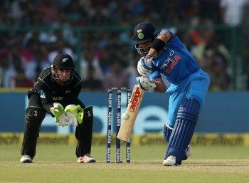 ஓய்வுபெறும் நெஹ்ரா; முதல் வெற்றி முனைப்பில் இந்தியா;  டெல்லியில் முதலாவது டி20 போட்டி