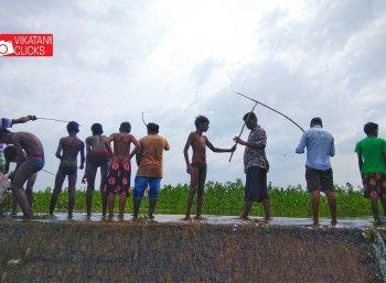 சென்னை சிட்டில மீன் பிடிக்கலாம் வறீங்களா?! #VikatanPhotoStory