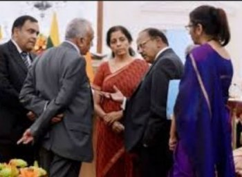 வியாபாரத் தொடர்பு... அமித்ஷாவைத் தொடர்ந்து சிக்கினார் நிர்மலா சீதாராமன்!