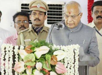 இதற்காகத்தான் தமிழ் மொழியைக் கற்றுக்கொள்கிறார் ஆளுநர்  பன்வாரிலால் புரோஹித்!