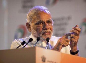 """""""நாட்டை விற்கமாட்டேன்!"""" என்கிறார் மோடி. இதுபற்றி உங்கள் கருத்து என்ன? #VikatanSurvey"""