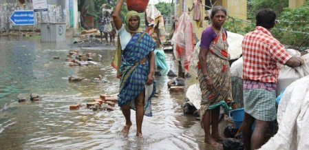 சென்னை மழையும்... இல்லத்தரசிகள் அனுபவித்த வேதனையும்! #VikatanPhotoStory