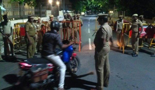 போயஸ்கார்டன் ஐ.டி. ரெய்டு... பரபரப்பு நிமிடங்களில் நடந்தது என்ன? #ITRaids