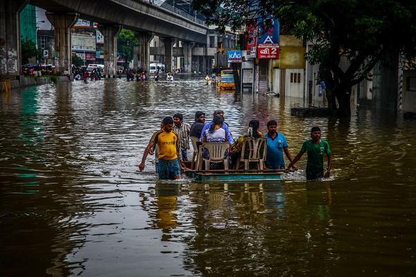 மிதக்கும் சென்னை