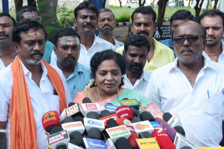 tamilisai press meet in thoothukudi airport