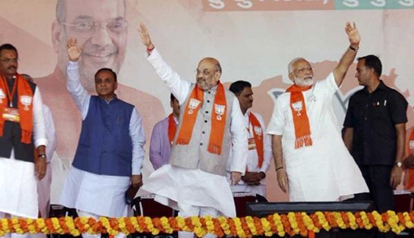 குஜராத் தேர்தல் - பி.ஜே.பி. பிரசாரம்