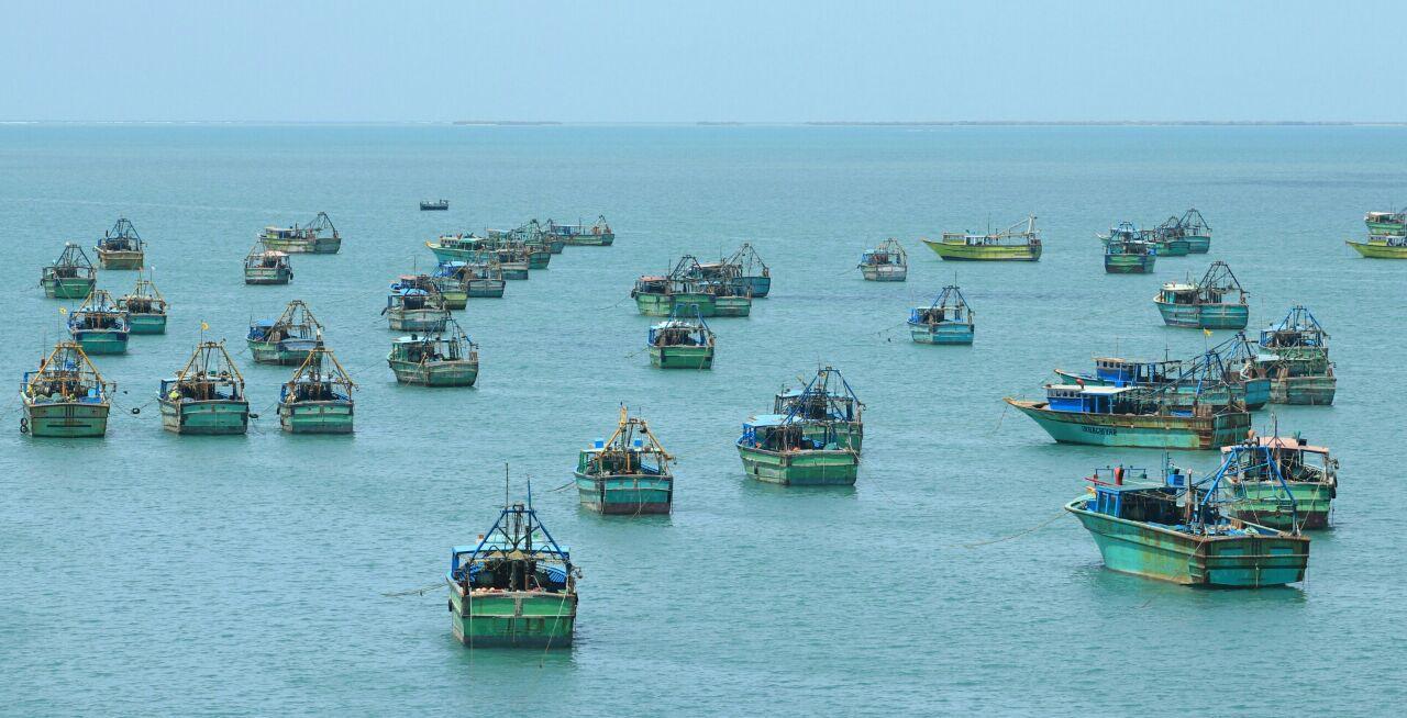ராமேஸ்வரம் மீனவர்கள் மீது இலங்கை கடற்படை துப்பாக்கிசூடு