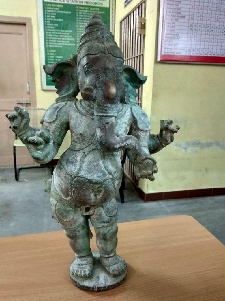 திருவாடானை அருகே பிடிபட்ட ஐம்பொன் சிலை