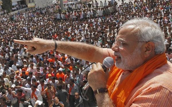 குஜராத் தேர்தல் பிரசாரத்தில் மோடி