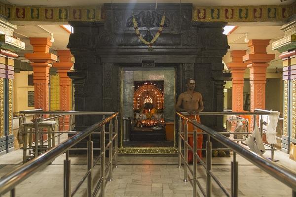 கோரக்கர் ஜீவசமாதி