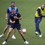 ஆஷஸ் வரலாற்றின் முதல் 'டே-நைட்' மேட்ச்.... சரித்திரம் படைக்கப் போவது யார்? #Ashes