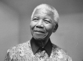 மூன்று முறை திருமணமானவர், எக்கச்சக்க காதல்: விமர்சனங்களைத் தாண்டி மண்டேலா பெண்களுக்காகச் சாதித்தது என்ன? #Mandela
