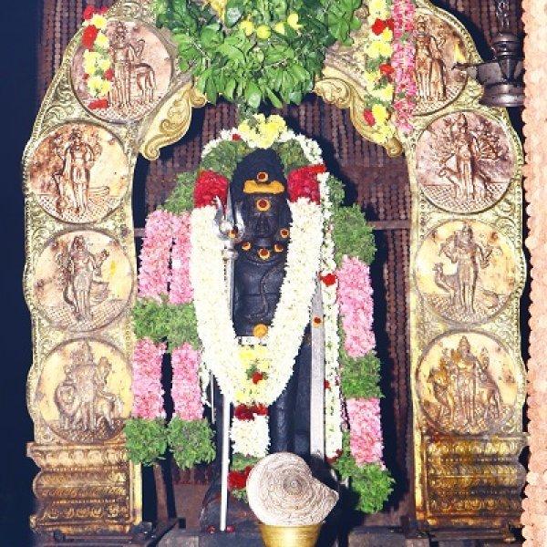 அதியமான் கோட்டை காலபைரவர்...   சகல நன்மைகளும் அருளும் ராகுகால வழிபாடு