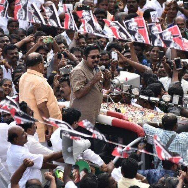 'தினகரனுக்கு 85% மதுசூதனனுக்கு 50%' - பழனிசாமியின் தேர்தல் கணக்கு