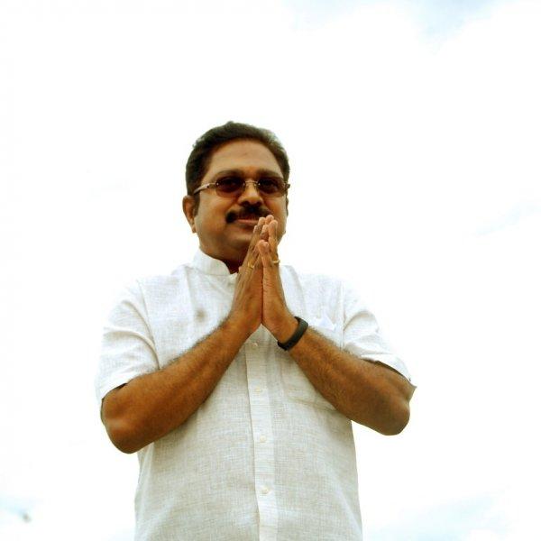 #LiveUpdates 40 ஆயிரம் வாக்குகள் வித்தியாசத்தில் டி.டி.வி.தினகரன் வெற்றி  #RKNagar