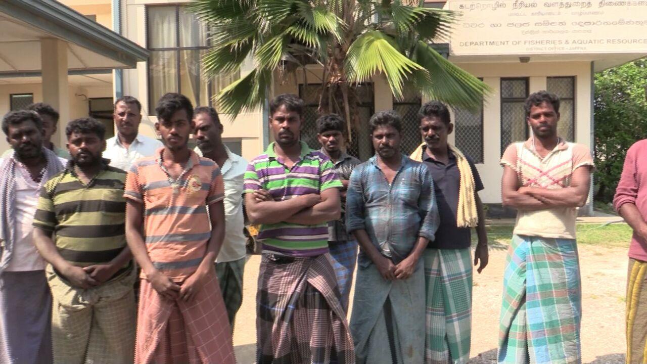 சிறைபிடிக்கப்பட்ட ராமேஸ்வரம் மீனவர்கள்
