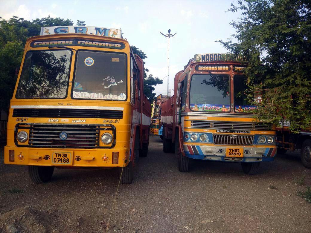 2 truck seized in pithur