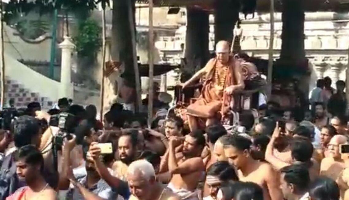 ஜெயேந்திரர், காஞ்சிபுரம் வரதராஜ பெருமாள் கோயில்