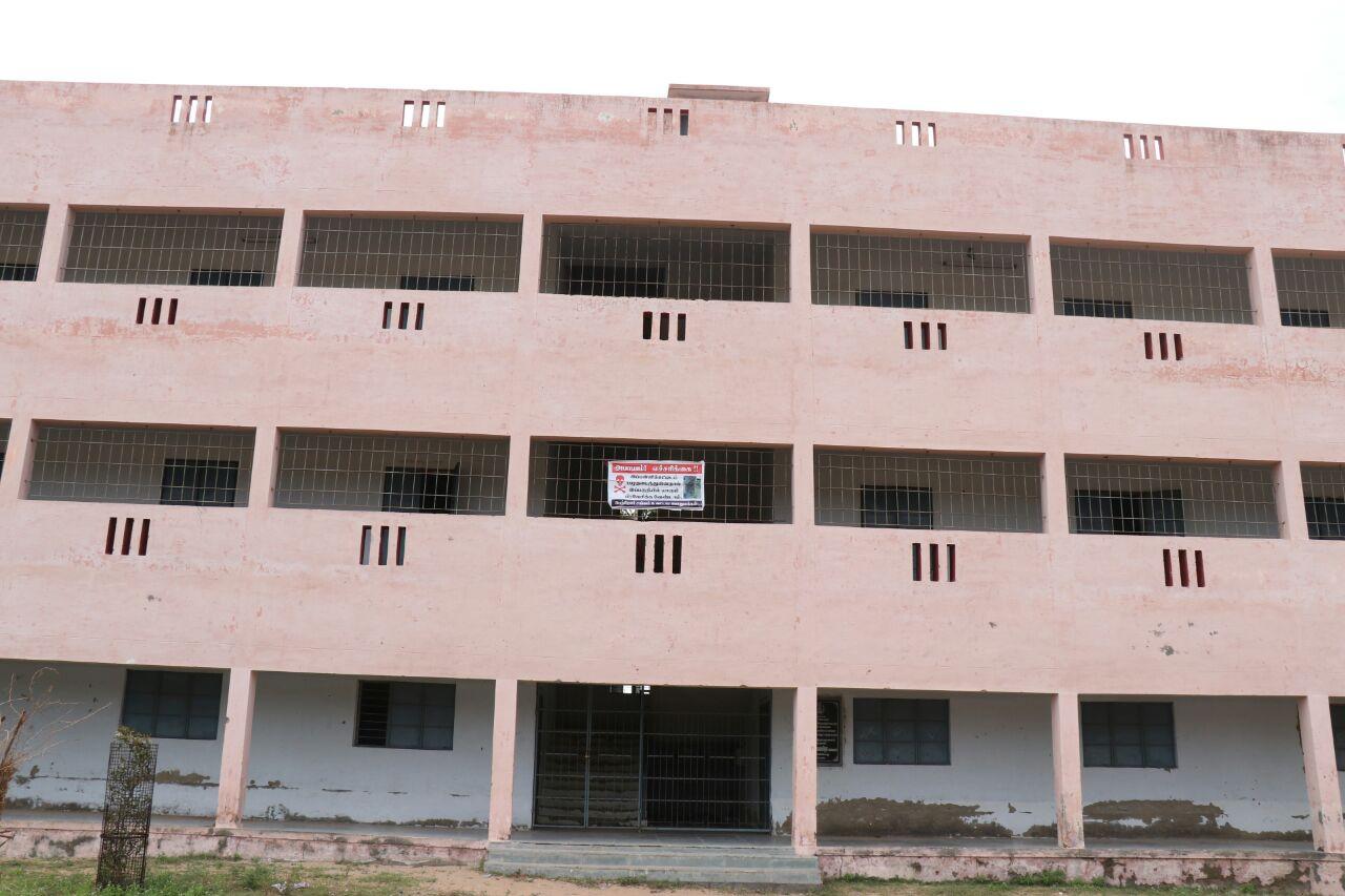 ராமநாதபுரம் மாவட்டம் தினைக்குளம் பள்ளி