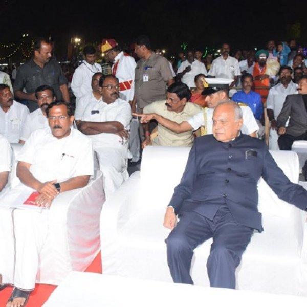 ஆளுநர் பன்வாரிலால் புரோஹித்துக்கு அமைச்சர் கொடுத்த `புதிய பட்டம்'