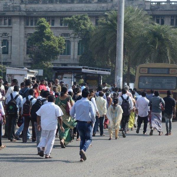 அரசுப் போக்குவரத்துக் கழக ஊழியர்கள் வேலைநிறுத்தம் உங்களை எந்த அளவுக்குப் பாதித்துள்ளது? #VikatanSurvey