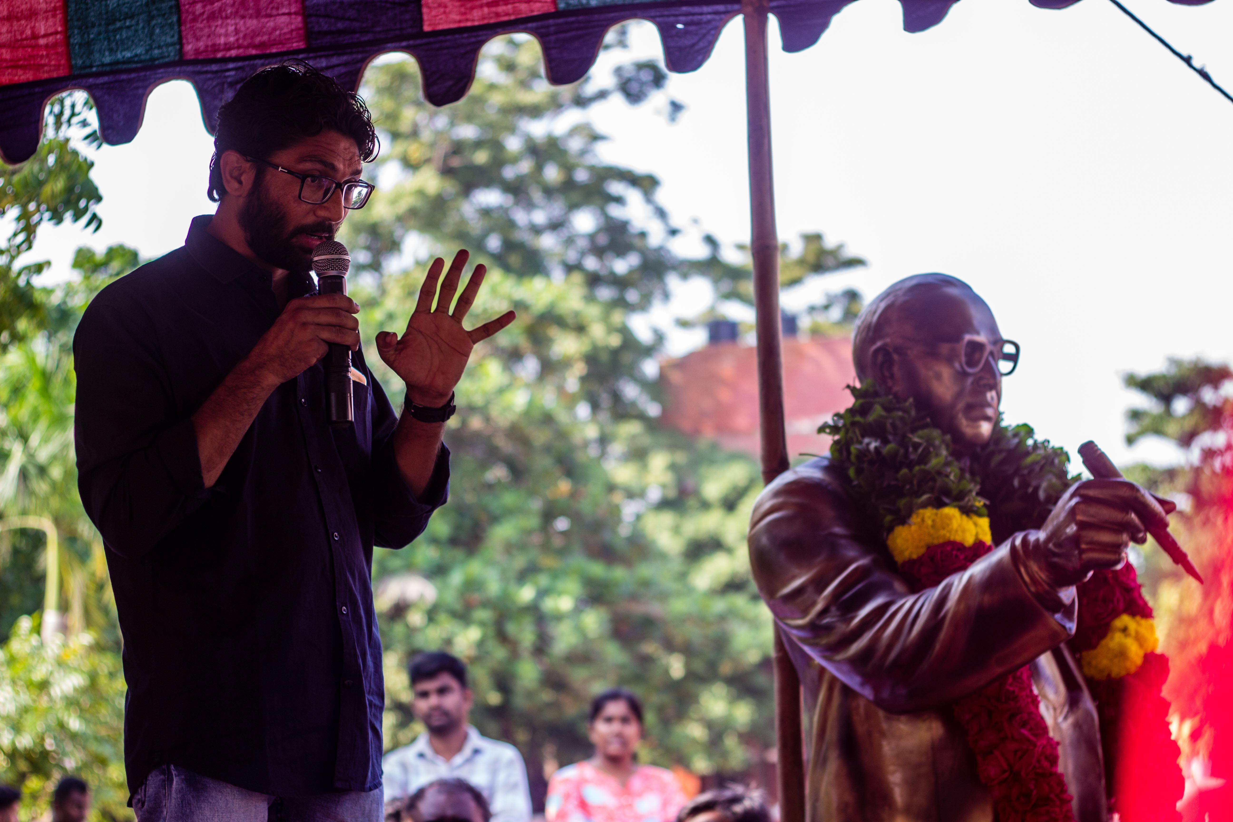ஜிக்னேஷ் மேவானி