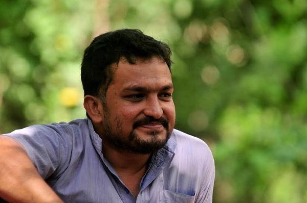 பியூஷ் மானுஸ் கார்ப்பரேட்களுக்கு எதிராக போராடும் சூழலியலாளர்