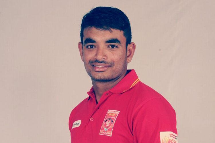 அனிருத்தா ஜோஷி - IPL