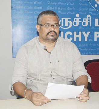ஐ.ஏ.எஸ்  அதிகாரிகள் மீது குற்றஞ்சாட்டு