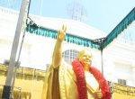 மிஸ்டர் வேலுமணி... சிலைல கண்ணை சரி பண்ணா போதுமா... ஜெயலலிதா எங்கே?